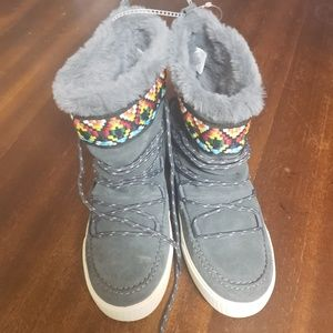 284f0a668a0 Toms Shoes - Brand new toms alpine boots